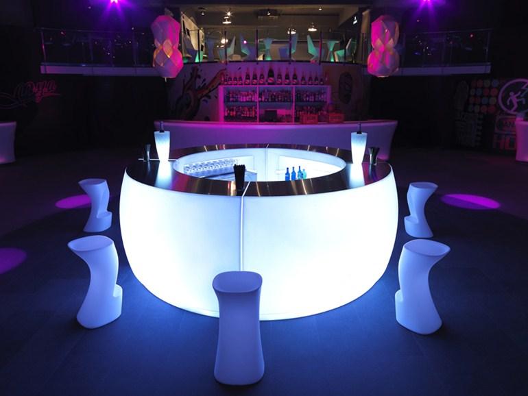 bar comptoir exterieur design sur option clairage led. Black Bedroom Furniture Sets. Home Design Ideas